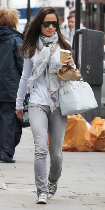 Pippa Best Outfits - gray Goldsign jeans and Tory Burch satchel