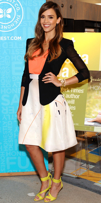 Jessica Alba in Carolina Herrera