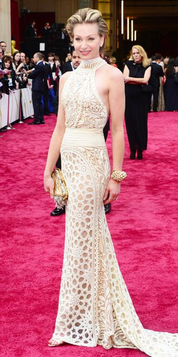 Oscars 2014 - Portia de Rossi in Naeem Khan with Dior earrings