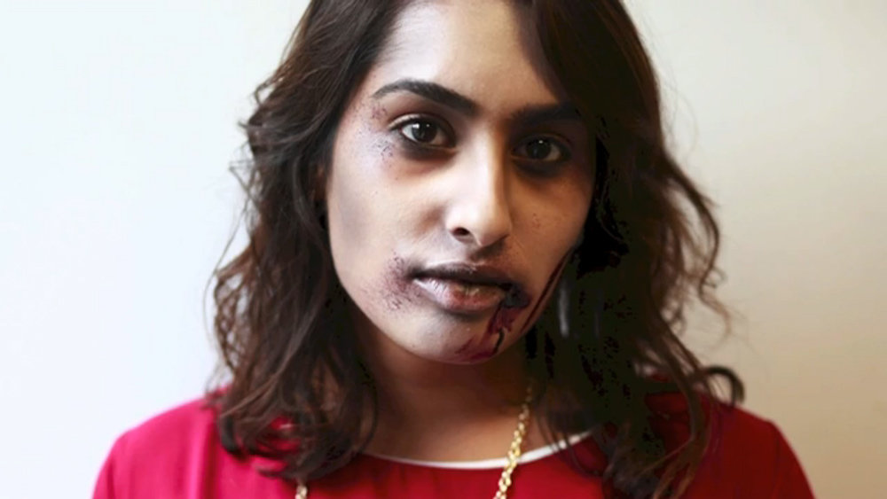 The Walking Dead - Zombie Makeup How-To