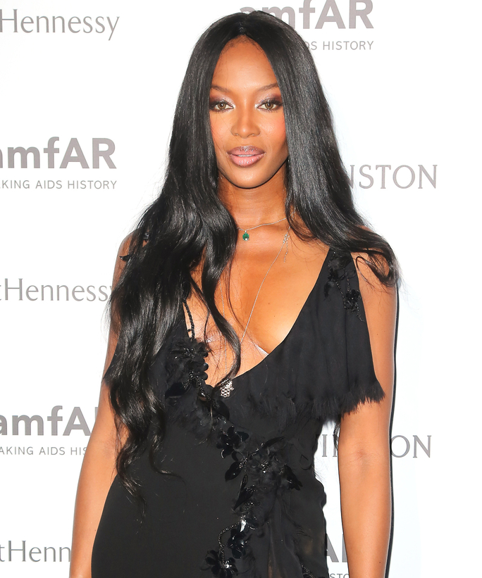 Naomi Campbell attends the amfAR dinner at the Pavillon LeDoyen during the Paris Fashion Week Haute Couture on July 5, 2015 in Paris, France.