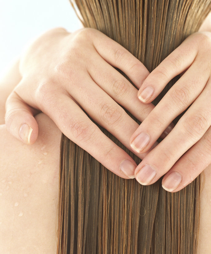 Fact or Fiction: Can Your Shampoo <em>Really</em> Lose Its Cleansing Power?