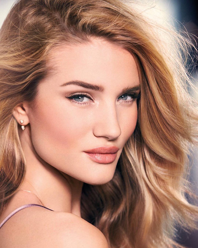 Clone of Rosie Huntington-Whitely Instagram