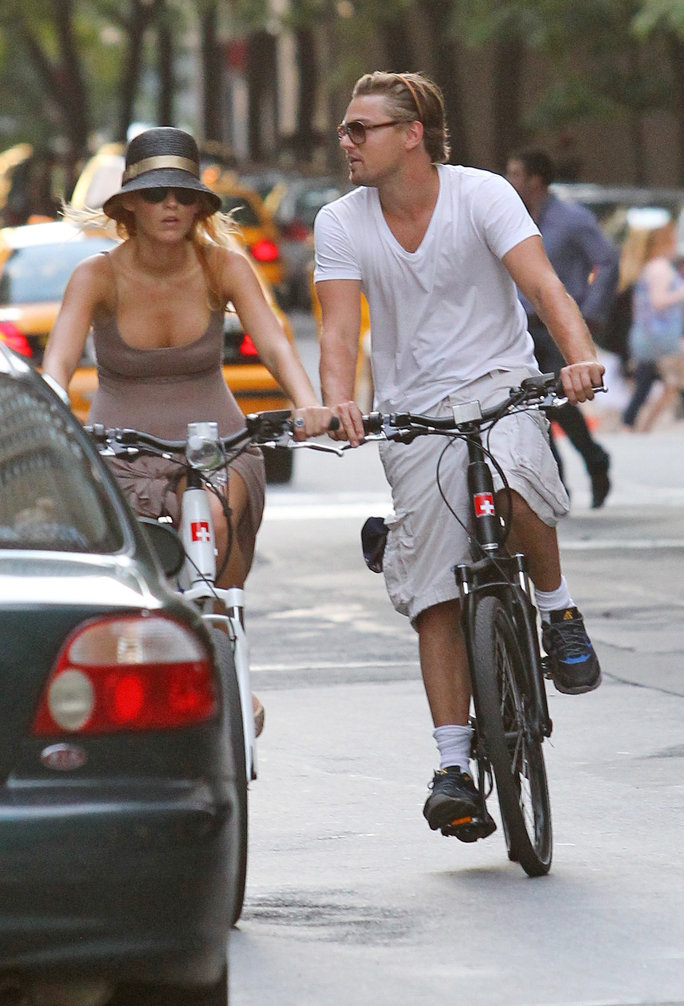 <p>Leo and Blake Lively Riding Bikes</p>