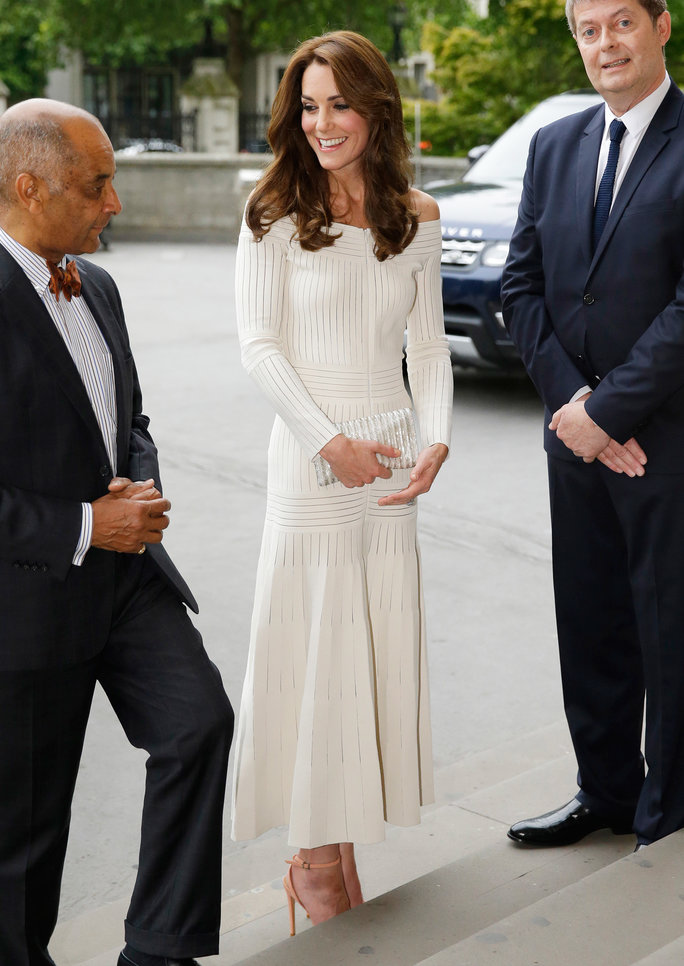 Kate Middleton off shoulder dress Lead