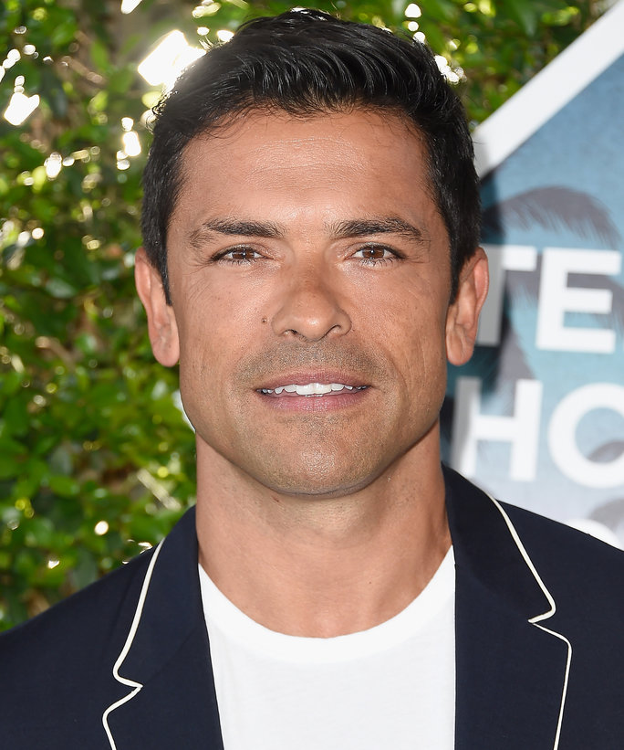 mark consuelos height weight