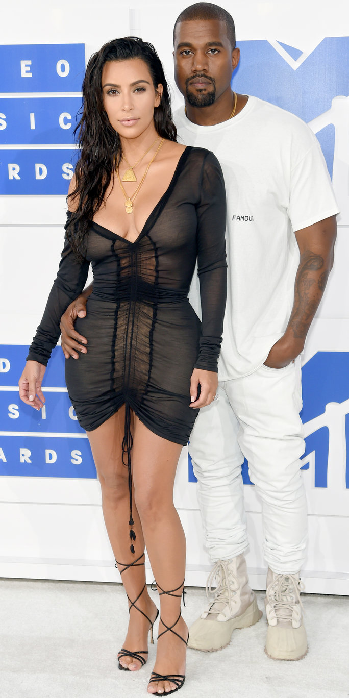 Kim Kardashian Wears a Cleavage-Baring Sheer Minidress and Sexy Wet Hair to the 2016 VMAs with Kanye
