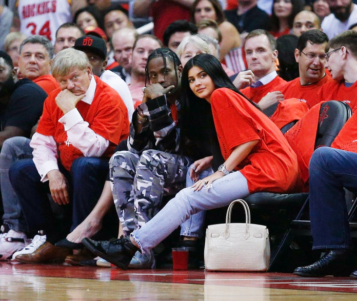 Kylie Jenner Wears 'JW' Initials on Ring Finger … But for Who???