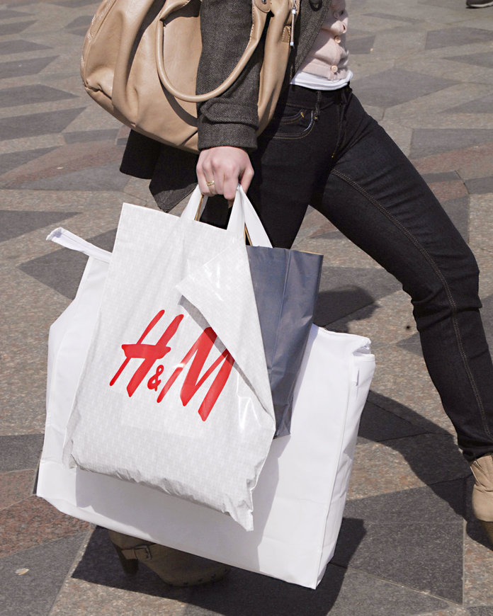 This H&M Sale Has $5 Tops and $7 Skirts
