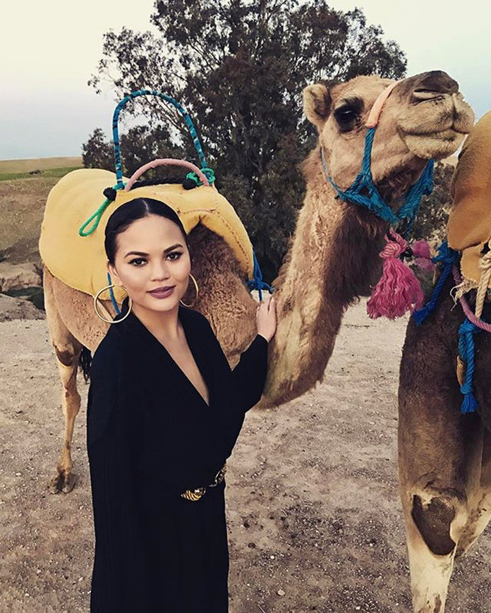 Celebs on Camels Lead