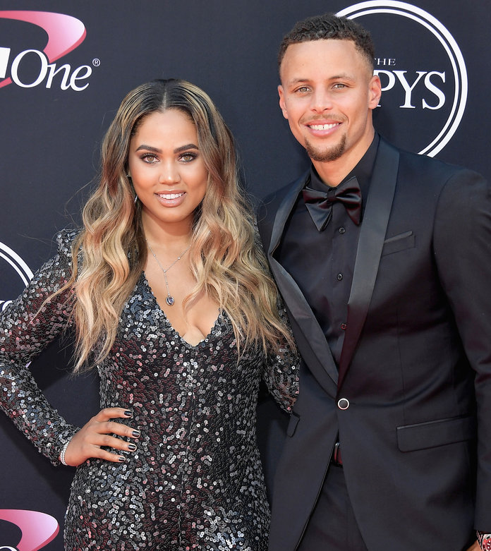 <p>Ayesha and Steph Curry</p>