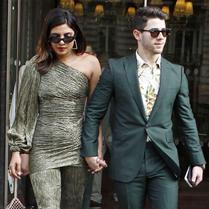 Priyanka-Nick spend romantic time at Joe-Sophie's wedding venue