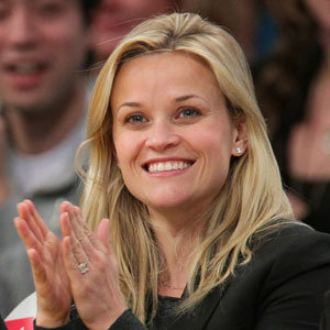 SEE PICS: Reese Witherspoon reveals her engagement ring