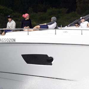 NEW PICS: One Direction shirtless in Australia!