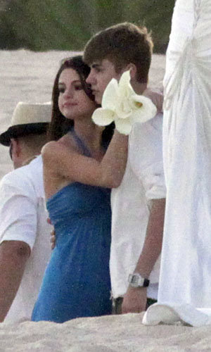 WEDDING WATCH! Justin Bieber and Selena Gomez couple up in Mexico