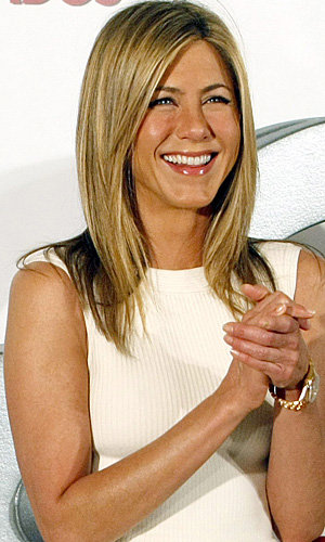 CELEB BEAUTY BUY: Jennifer Aniston's make-up must-haves