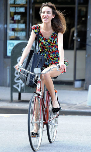 Alexa Chung's a cool rider in NYC