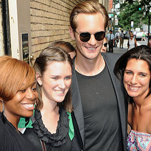 Alexander Skarsgard gets swarmed by fans!