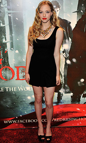 Amanda Seyfried wows at London premiere of Red Riding Hood