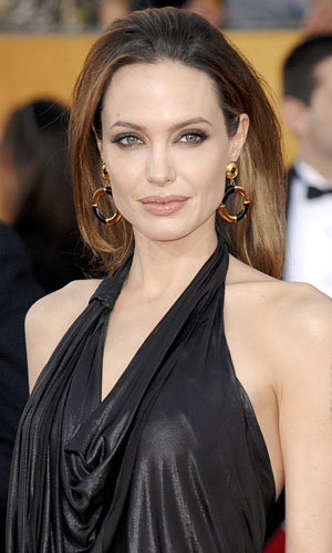 OSCARS UPDATE Angelina Jolie added to the presenters list!