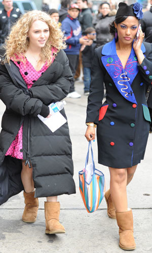 NEW PICS: AnnaSophia Robb on The Carrie Diaries set!