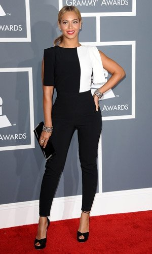 Beyonce works monochrome fashion trend at The Grammy Awards 2013