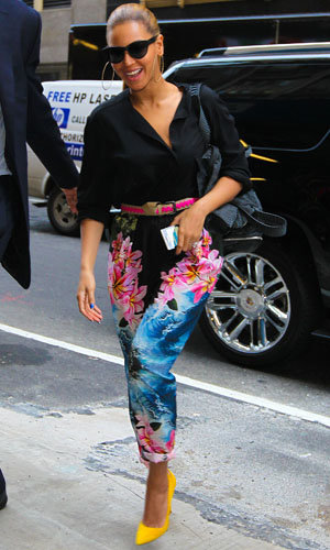 Beyoncé works the floral trousers trend!