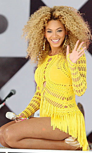 Beyonce wows the crowds in Mark Fast