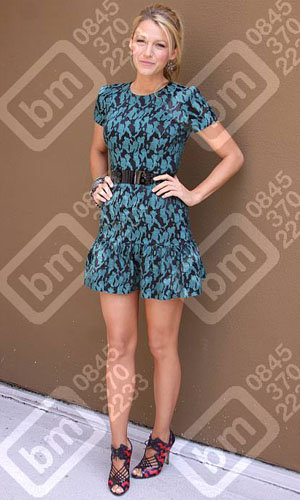 Blake Lively does summer style at the Savages photocall!