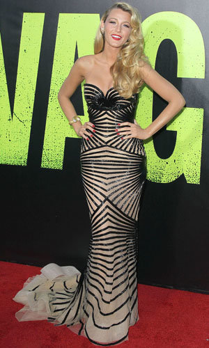 Blake Lively wows at the Savages premiere!