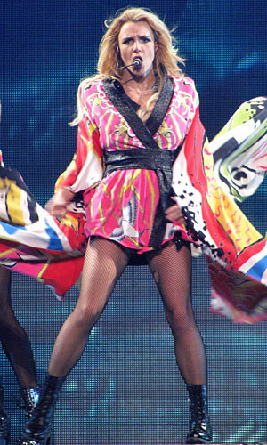 SEE PICS: Britney Spears on Femme Fatale tour