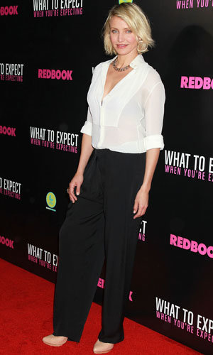 Cameron Diaz and Elizabeth Banks style up the What To Expect When You're Expecting premiere!