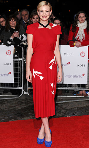 CELEBRITY FASHION WATCH: Carey Mulligan wows in Roland Mouret!