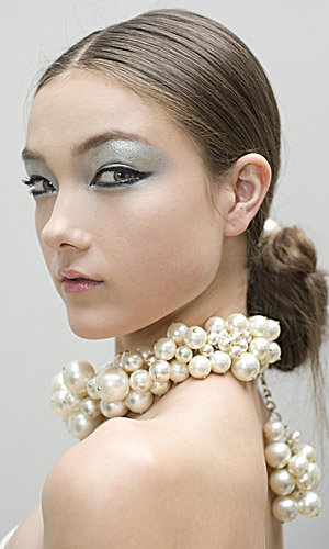 Get the Chanel Spring Summer 2013 beauty look!