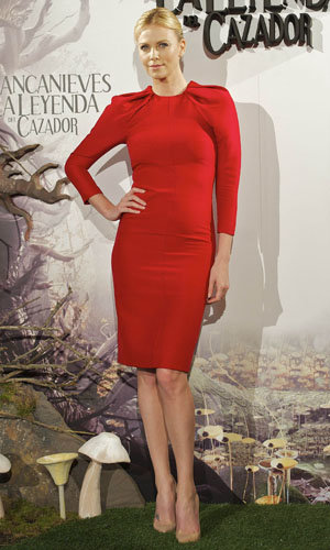 SNOW WHITE LATEST: Charlize Theron and Kristen Stewart at the Madrid photocall!