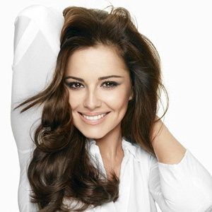 Cheryl Cole works fresh-faced look in new L'Oreal campaign