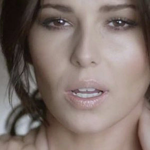 Cheryl Cole smoulders in new Girls Aloud video