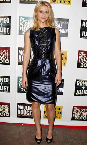 Claire Danes dazzles in a LND (little navy dress)!