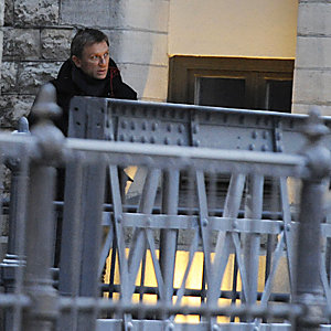 SEE PICS: Daniel Craig on the set of The Girl with the Dragon Tattoo