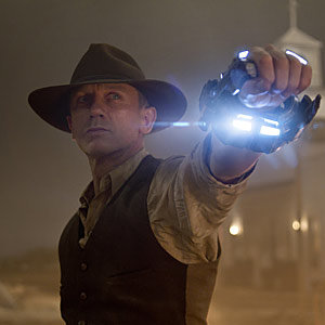 FIRST LOOK: Cowboys and Aliens starring Daniel Craig