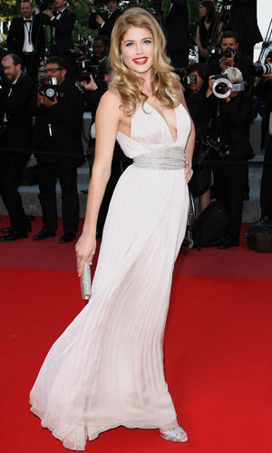 Doutzen Kroes pregnant and engaged!