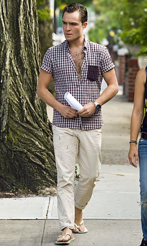 SEE PICS: Ed Westwick on Gossip Girl season five set