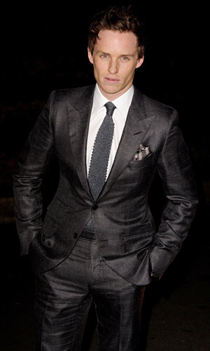 Eddie Redmayne says he's no Robert Pattinson in the heartthrob stakes