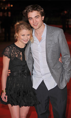Robert Pattinson and Emilie De Ravin light up Leicester Square for Remember Me premiere