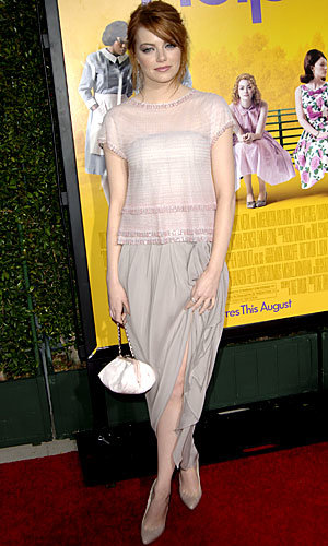 Emma Stone goes chic in Chanel at The Help premiere