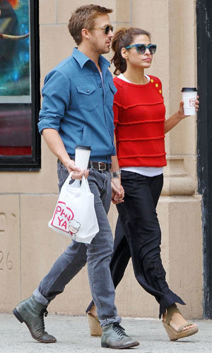 CELEBRITY DATE: Eva Mendes and Ryan Gosling enjoy a day out!
