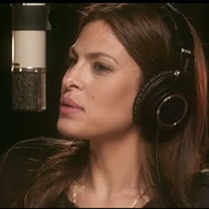 SEE Eva Mendes sing for Thierry Mugler Angel