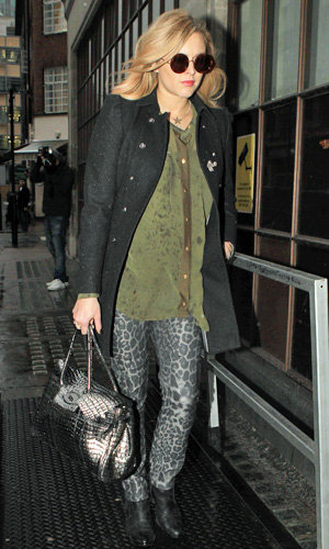 Pregnant Fearne Cotton works another chic winter coat