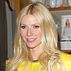 GET IT! Gwyneth Paltrow's necklace!