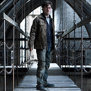 NEW Harry Potter and the Deathly Hallows Part 2 featurette and stills!